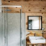 prysznic bieszczadzkiego domku