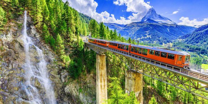 podróż pociągiem w bieszczady